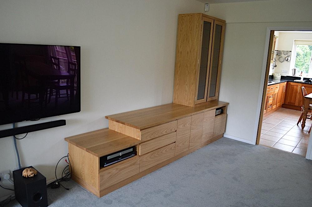 Oak lounge unit